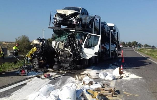 La escena del accidente con una víctima mortal (Foto: SCT)
