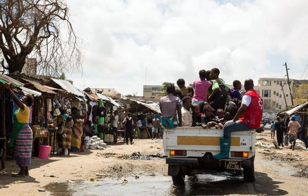 Llegada de supervivientes del ciclón Idai a un centro de evacuación en Beira, Mozambique ( DENIS ONYODI/CRUZ ROJA)