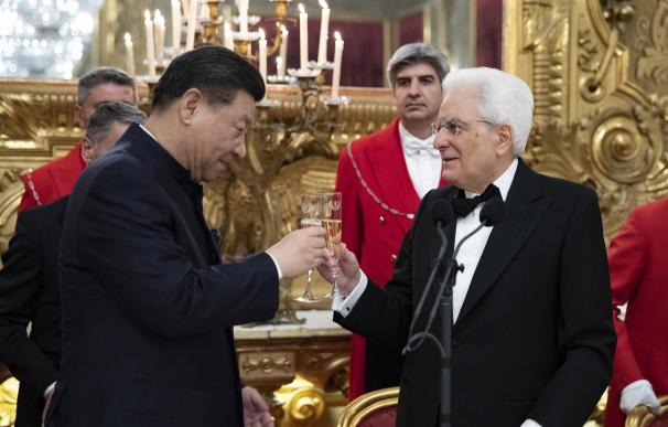 El presidente chino Xi Jinping y el presidente italiano Sergio Mattarella en el Palacio del Quirinale (EFE/EPA)