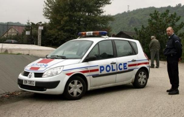 La policía francesa investiga si se trató de un accidente o fue un acto intencionado (EFE)