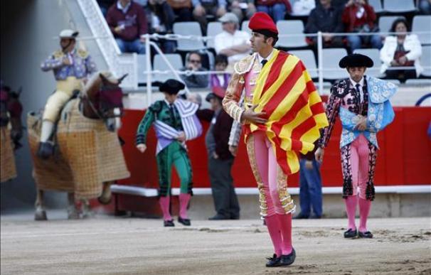 Serafín Marín hacía el paseillo con barretina y la senyera