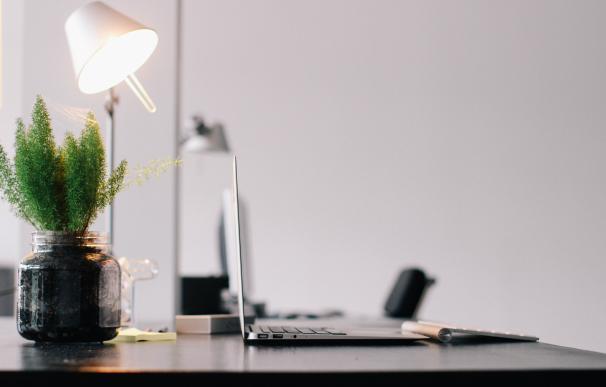 Un escritorio limpio es garantía de éxito. / Pexels
