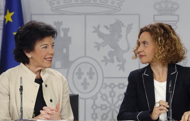 El Gobierno actualiza el Decreto Ley de Rajoy para proteger a los estibadores.