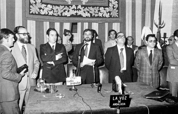 Julio Anguita, tras ser investido alcalde de Córdoba en 1979 | RICARDO/ARCHIVO MUNICIPAL