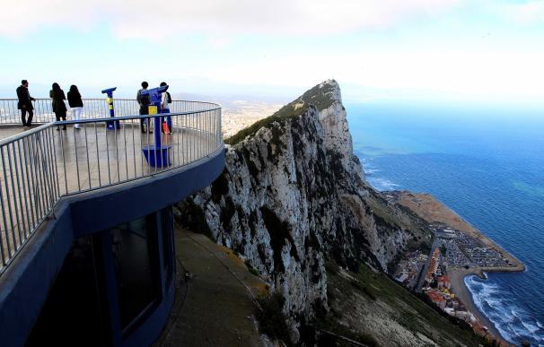 Trabajos de relleno en aguas españolas que rodean a Gibraltar