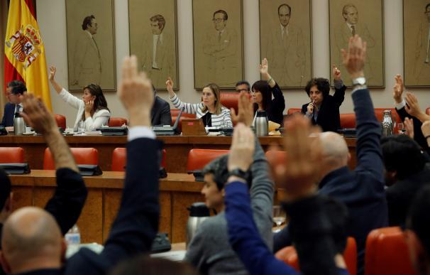 Sánchez aprueba 'in extremis' los viernes sociales gracias al apoyo independentista