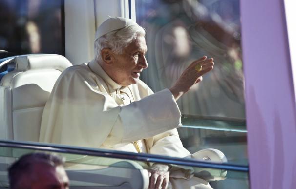 Benedicto XVI se reunió con el excanciller alemán Helmunt Khol