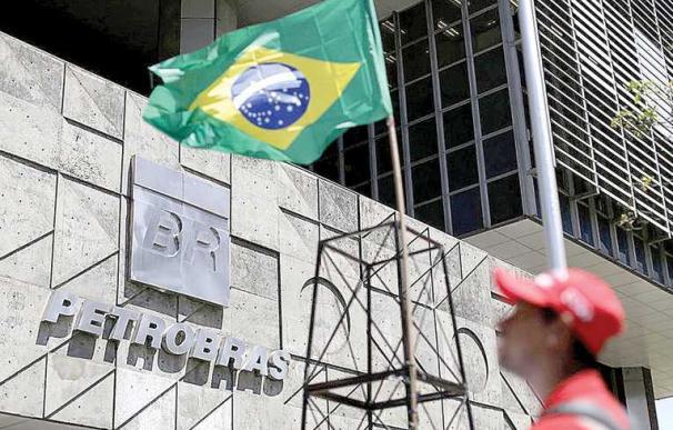 Fachada de la sede de la estatal brasileña Petrobras (EFE)