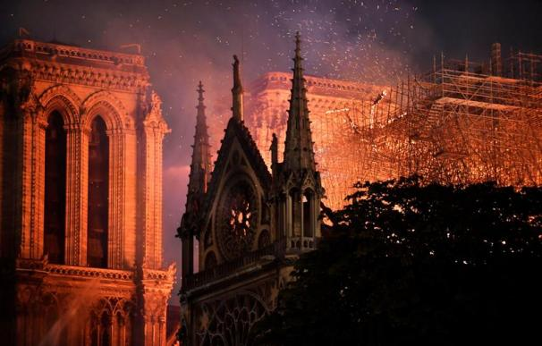 Incendio Notre Dame interior
