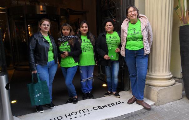 Las trabajadoras quieren que se readmita a las despedidas. /Europa Press