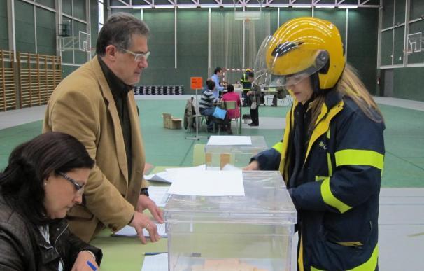 Correos entregó 34.030 solicitudes de voto en las oficinas del Censo Electoral, un 2,56% menos que en 2009