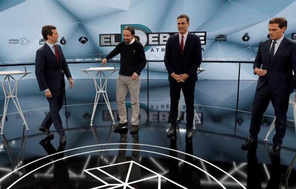 Fotografía de los candidatos en el debate de Atresmedia.