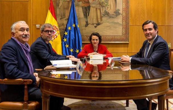 Foto Valerio, Garamendi, Sánchez y Sordo / CEOE