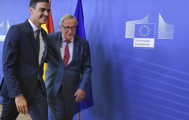 Fotografía Pedro Sánchez y Jean Claude Juncker / EC