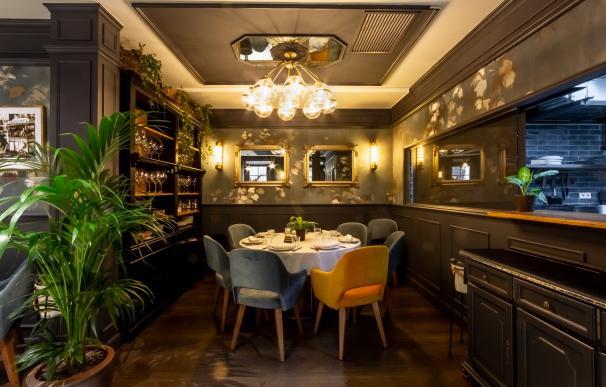 La mesa del chef, siete exclusivas plazas delante de la cocina - Barra y Mantel