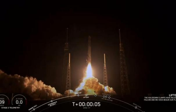 Momento del despegue del cohete Falcon 9 con la cápsula Dragon a bordo. / Space X