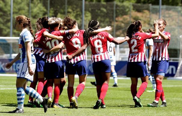 Las jugadoras del Atlético de Madrid celebran el segundo gol frente a la Real Sociedad en Zubieta. EFE/GORKA ESTRADA