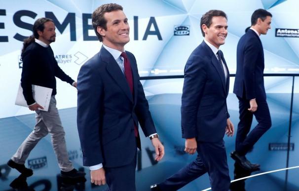 Entrada de los líderes políticos al debate en Atresmedia.