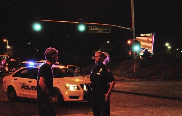 La policía no encuentra vínculos con el terrorismo en la matanza de Denver