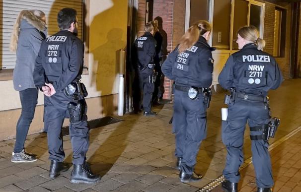 La Policía alemana, en el momento de la detención
