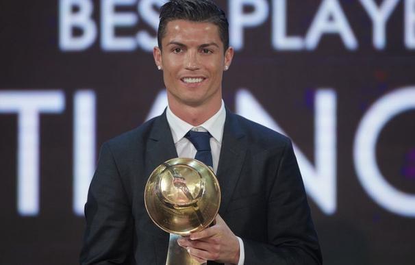 Cristiano Ronaldo gana el Globe Soccer Award