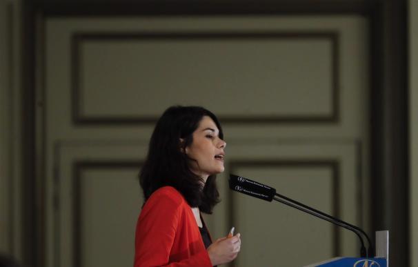Isa Serra (Podemos) acusa a Ayuso de ser el contacto del conseguidor de la Púnica