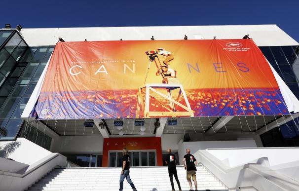 Para muchos negocios de Cannes, el festival de cine es su salvación