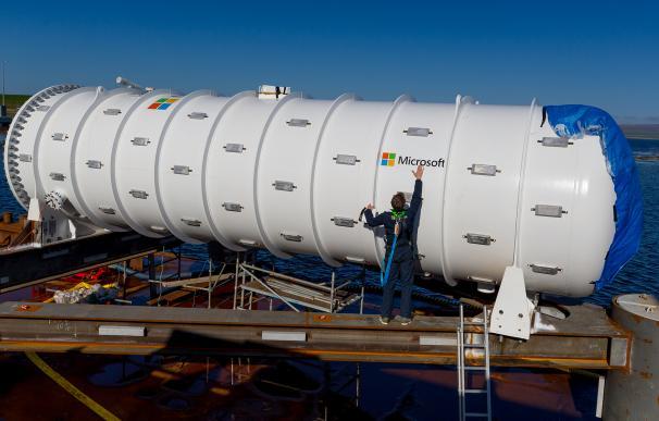 El método ecológico de Microsoft para enfriar sus servidores: lanzarlos al mar
