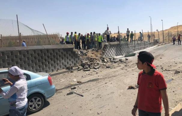 Varios heridos tras una explosión junto a autobús de turistas en Egipto. /Twitter/@ZaidBenjamin5