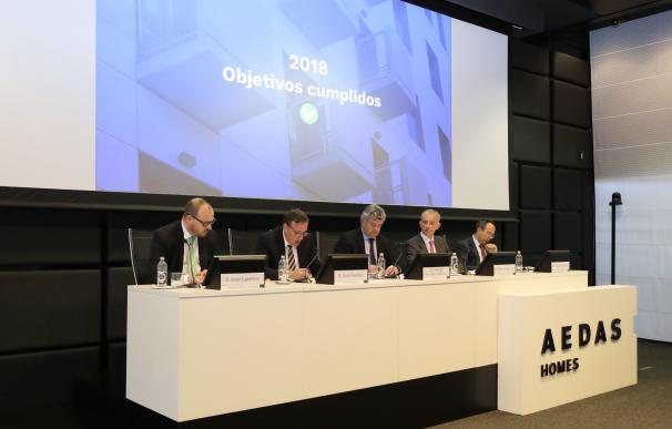 El equipo directivo de Aedas Homes durante la junta de accionistas.