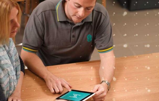 El primer operador de móviles británico aplazará la venta de dispositivos 5G de Huawei