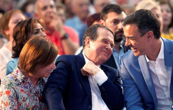 Fotografía de Abel Caballero, alcalde de Vigo, junto a Pedro Sánchez.