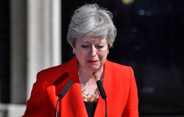 Theresa May, en el momento de anunciar su adiós con lágrimas en los ojos