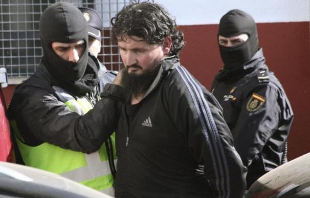Hamed Abderrahaman Ahmed, el 'talibán español', cuando fue detenido. /EFE