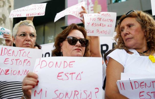 Fotografía protesta afectadas iDental / EFE