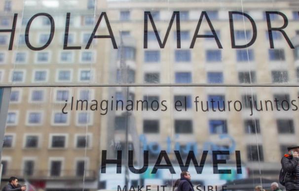 Futura tienda de Huawei en Gran Vía, Madrid.