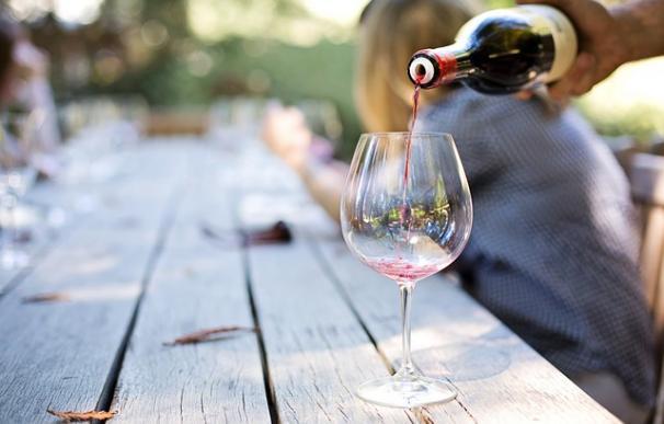 Fotografía de un vino.