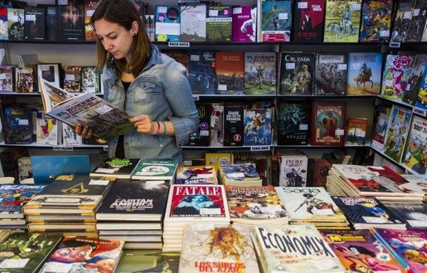 Una caseta dedicada al cómic, en la Feria del Libro de Madrid. (EFE)