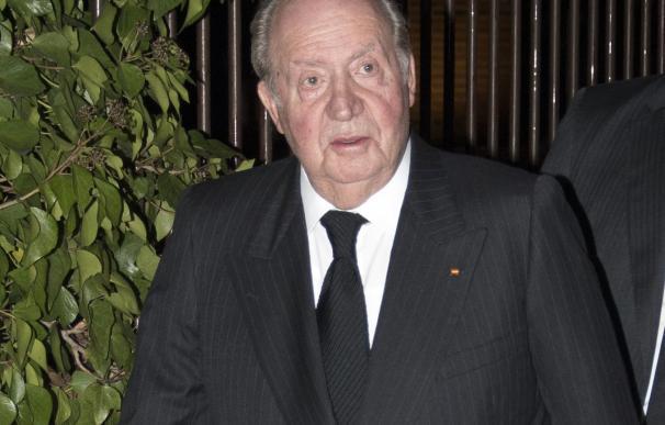 El Rey Juan Carlos acude a la misa funeral de Miguel Primo de Rivera