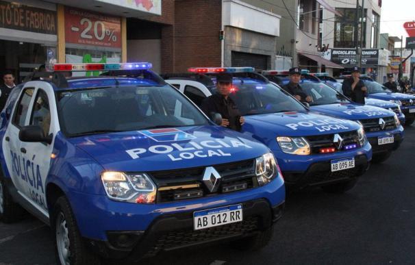 Fotografía de coches de policía de Lomas de Zamora (Argentina).