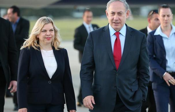 El primer ministro de Israel, Benjamín Netanyahu y su esposa Sara Netanyahu. /EFE
