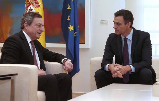 Pedro Sánchez y Mario Dragui este lunes