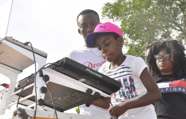 Fotografía de DJ Switch, la niña de Ghana de 11 años.