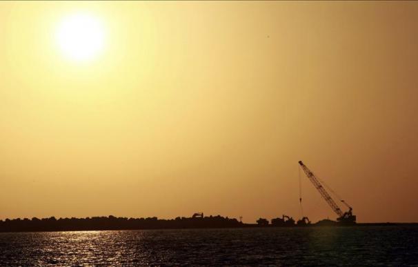 Cien diputados iraníes plantean una Ley para el cierre del estrecho de Ormuz