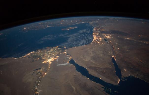 Vista del anochecer sobre el norte de Egipto y la península del Sinaí. / NASA Johnson