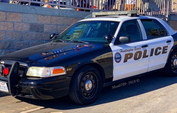 Fotografía de un coche de policía de California.
