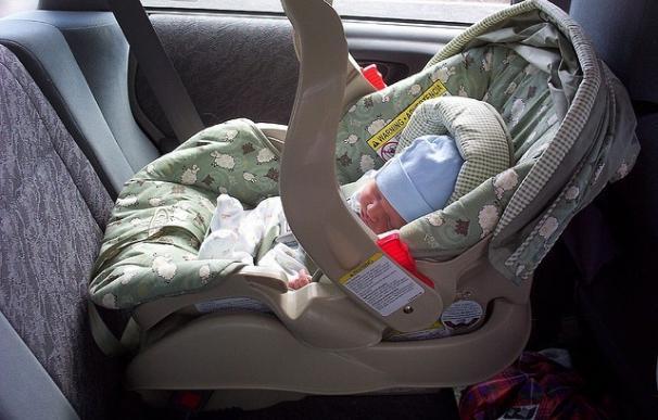 Dejar al niño en el coche es la causa más habitual de golpe de calor en menores de hasta 4 años