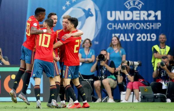 Los jugadores de España celebran el primer gol en la final ante Alemania en Udine. /EFE