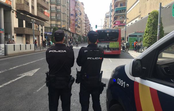 Alicante.- Sucesos.- Detenidas cinco personas por extorsionar mediante coacciones, amenazas y lesiones a un empresario
