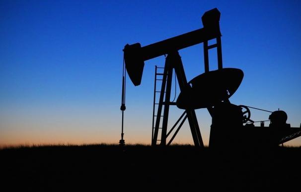 El petróleo se dispara un 3% atento a Trump y las tensiones geopolíticas